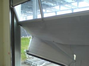 uszkodzona brama segmentowa