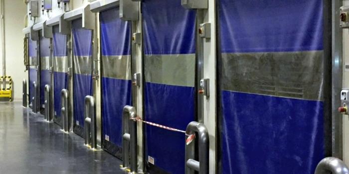 Bramy szybkobieżne w tunelach chłodniczych