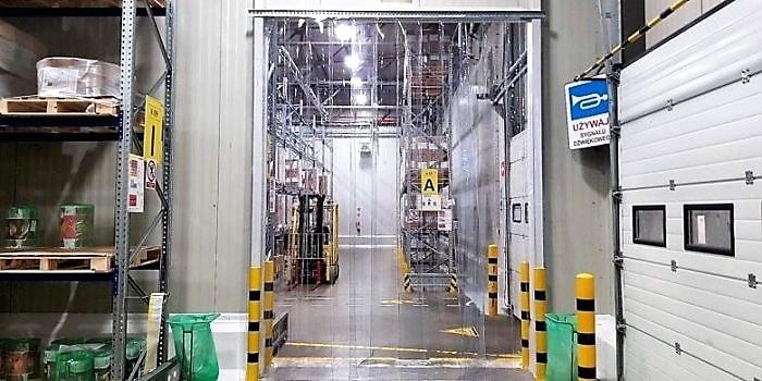 Bezpiecznie oddzielenie powierzchni magazynowej w strefie dostaw towarów