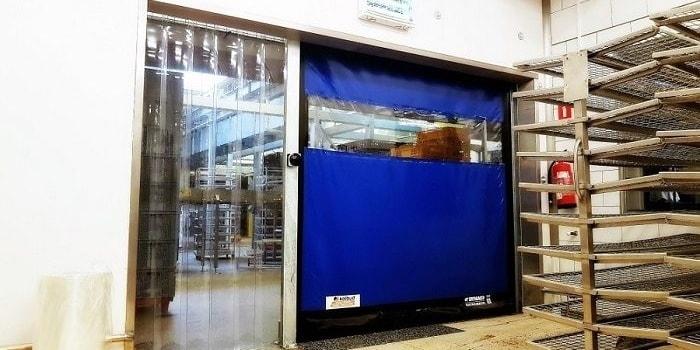 Podział otworu bramowego na strefę przejścia i przejazdu w przemyśle piekarskim